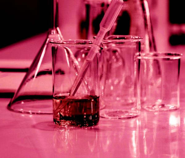 Il mio primo esperimento con la chimica: alla scoperta degli acidi
