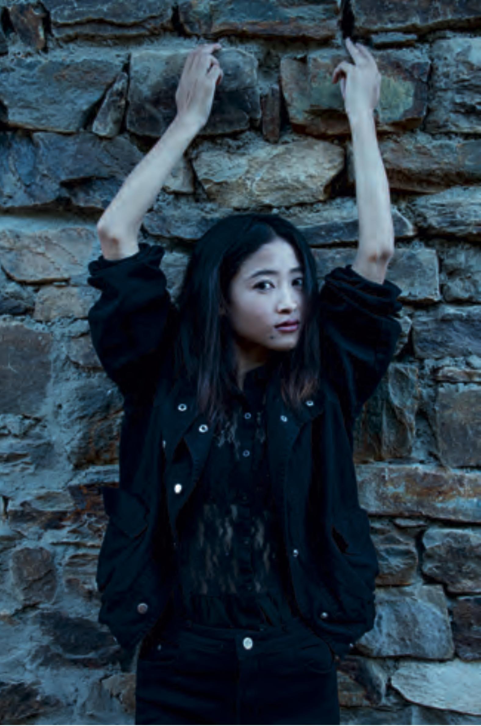Sita, ragazza buthanese estremamente timida. Convincerla a posare non è stato facile