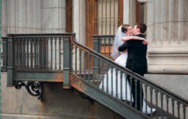 Sposi sulla scala