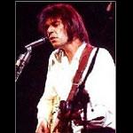 Neil Young: l'album di protesta arriva online