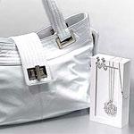 La borsetta a noleggio (per tacer della Ferrari)