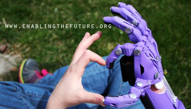 Mano naturale, mano artificiale.