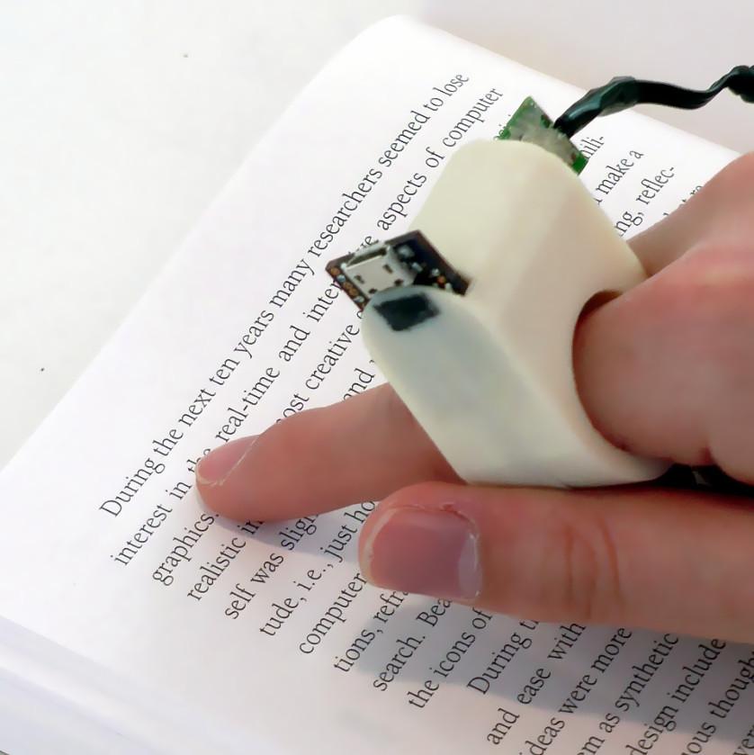Lettura con un dito