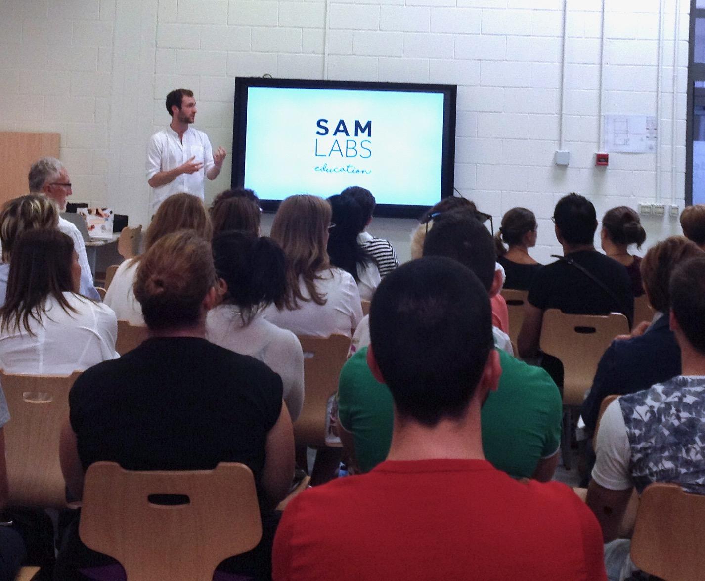 Una lezione frontale di SAM Labs